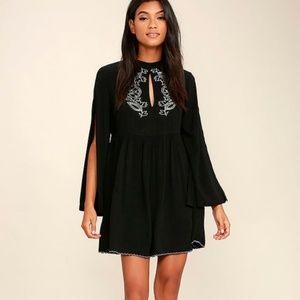 Minkpink Lulus Split Bell Sleeve Dress